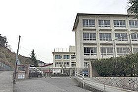 広島市立五月が丘小学校(約1730m)