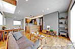 [11-6号地 内観]平成30年6月撮影 ※写真の一部の家具は価格に含まれますが、それ以外の家具・調度品は価格に含まれません。