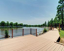 舎人公園 約580m 徒歩8分