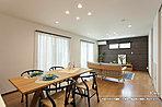 [A号地 内観]平成30年5月撮影 ※写真の家具・調度品は価格に含まれません。