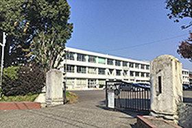 那加中学校(約1,350m:徒歩17分)