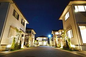 パナホームが贈る照明計画で街を明るく彩ります。