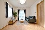 リビングの色彩によって、合わせる家具などのインテリアも幅がでてきます。新築を建てたときの大きな楽しみの一つに家具選びがあります。あなたならどんな家具を選びますか?