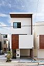 【コンセプトハウス】リラックスナチュラルな家 都市の街並みに調和する外観。外から家の中の様子がわからない、プライバシーに配慮したデザインも兼ね備えています