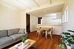 A棟:自然素材の良さを生かしたナチュラルな「素材スタイル」 ※販売価格に家具は含まれません。