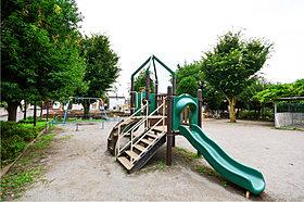 緑橋児童公園…徒歩1分(10m)