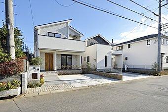 【街並み】白を基調としたモダンな外観です。全14邸の美しい街並みが誕生します。