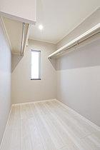 【モデルハウス】大型WIC 各邸の主寝室に併設の大容量収納