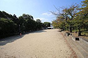 倉治児童公園/徒歩11分(約870m)