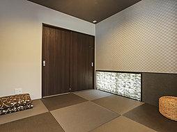 LDK&和室は間仕切りがほとんどないオープンな空間。(1号棟)