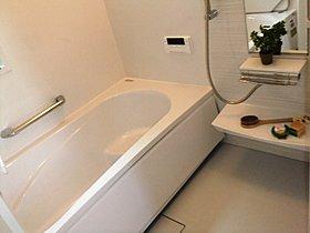 美容と癒しの時を過ごせる浴室乾燥機付きシステムバス。