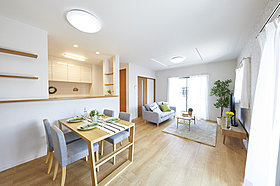 【2Qモデルハウス】2面採光で明るい洋室。