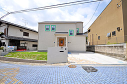 【ONLYONEの家】湯山台1丁目のランドマーク・洋風外観の邸...