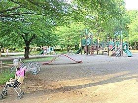 東村山中央公園:徒歩22分(約1700m)