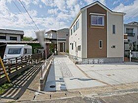 敷地面積45坪以上、ゆとりの住空間。カースペース3台分を確保