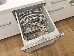 【家事を手助け】 食器洗い乾燥機が標準装備!