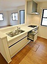 【キッチン】 食器洗い乾燥機付オープンキッチン!