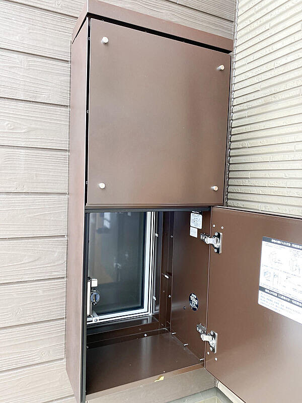 【宅配ボックス】宅配サービスが増えており、需要も高まっている宅配ボックスを標準採用!