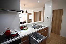 対面式カウンターキッチン(食器洗乾燥機付き)