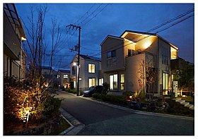 個々の灯りを街全体の灯りにする、コモンライティングの発想!