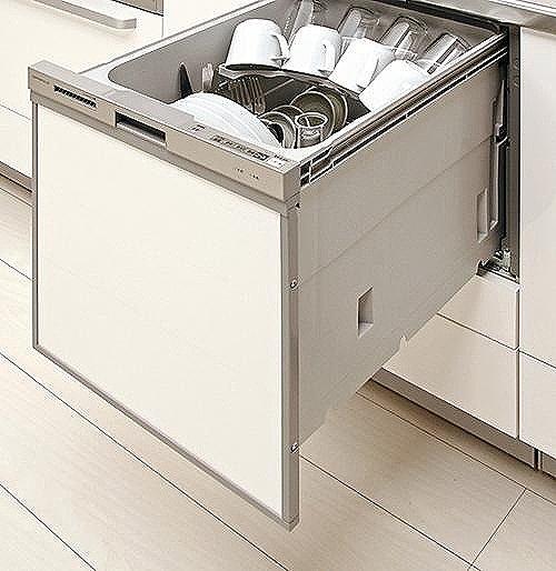 【【クリナップ】食器洗い乾燥機】ビルトインタイプ食器洗い乾燥機なら、カウンター上はいつもすっきりで、今まで手洗いにかけていた時間をご家族との時間に使えます。(同仕様)