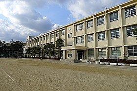 尼崎市立武庫中学校 徒歩13分(約1,000m)