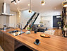 施工事例 ここは奥様の好きな景色のひとつ。キッチンの天板は高圧メラニン樹脂化粧板。傷がつきにくく汚れにくいため、使いやすい。リズミカルに段差を付けた球型ペンダントがお洒落感UP。,,面積,価格2380万円~2980万円,JR阪和線「和泉府中」駅 徒歩5分,,大阪府和泉市府中町3丁目