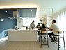 【当社施工例】 キッチンと繋がったダイニングは調理スペースやお子様のお勉強スペースにもなる素敵な空間です。,,面積,価格未定,JR阪和線「和泉府中」駅 徒歩17分,,大阪府和泉市伯太町2丁目