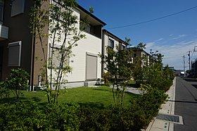 オープン外構を採用。庭の利用を意識し、配慮した外構