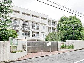 大田区立貝塚中学校・・距離約270m(徒歩4分)