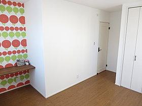 2階の洋室は全てクローゼット付。収納力抜群。