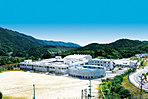 とどろみの森学園(箕面市立止々呂美小・中学校) 平成28年6月撮影
