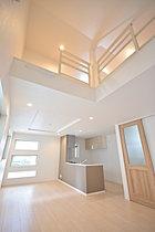 ◆自然の光や風を感じながら飾らずに暮らす家