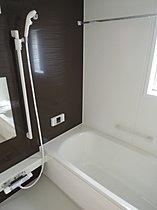 浴室換気暖房乾燥機付き、ゆったり広々1坪タイプユニットバス。