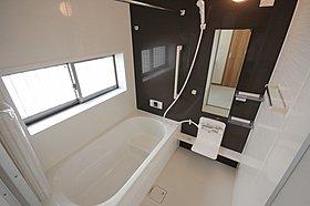 浴室乾燥機付きで心地よいバスタイムを実現