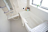 浴室には窓!浴室は湿気がたまりやすく、換気扇だけではどうしてもカビが出やすいです,4LDK,面積96.67m2,価格3390万円,JR総武線「幕張本郷」駅 徒歩24分,,千葉県習志野市香澄3