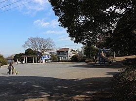 六浦ひまわり公園まで約1700m