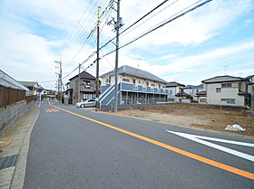 前面道路も7mと広々しています。