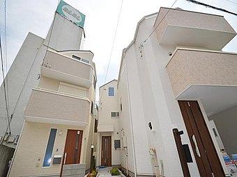 格調高く洗練されたデザインの邸宅が誕生します。