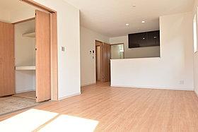 LDKと和室併せて約21帖の広々空間。