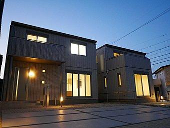 工場でほとんどの部分を作り上げる精度の高い住宅になっております。地震に対しても安心できる住宅です。(5月4日撮影)