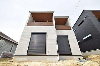 大切な住まいだからこそ、そこに感じる個性はオンリーワンであってほしい。そんな住まいでの暮らしが叶います。完成した建物はぜひお気軽にご内覧ください。