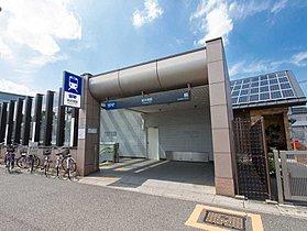 新井宿駅まで1040m 新井宿駅は、埼玉スタジアム線の停車駅
