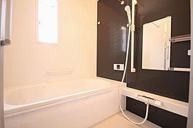 【浴室暖房乾燥機】雨の日の部屋干しは乾きにくく、生乾きの臭い