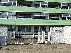 川口市立在家中学校まで441m 私達は昭和58年に市内22番