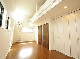 照明、収納細かいところをとっても拘りの邸