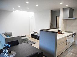 C号棟 リビング キッチンから洗面室&リビングへ、スムーズに家事をこなせる2way動線