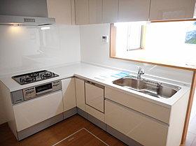 【A号棟】人気のL字型キッチンを採用!