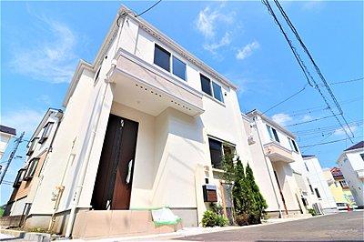 【I号棟】シンプルモダンの家は、人目を惹く人気住宅外観の一つです。装飾性を排除したシンプルさが現代的な魅力を演出します。,4LDK,面積90.95m2~93.56m2,価格4500万円~4840万円,JR南武線「中野島」駅 徒歩9分,JR南武線「稲田堤」駅 徒歩25分,神奈川県川崎市多摩区中野島6-3