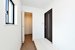 玄関(建物未完成の為、イメージ写真)